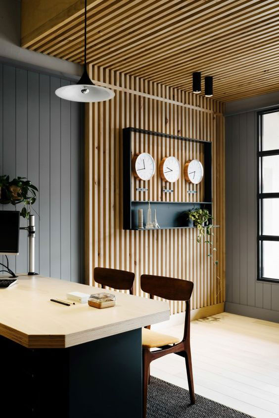 plafond et mur en bois