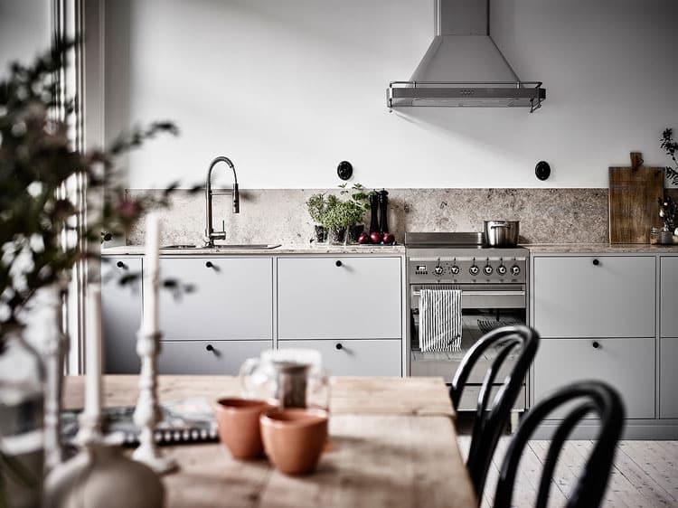 Poignée de meuble de cuisine noire