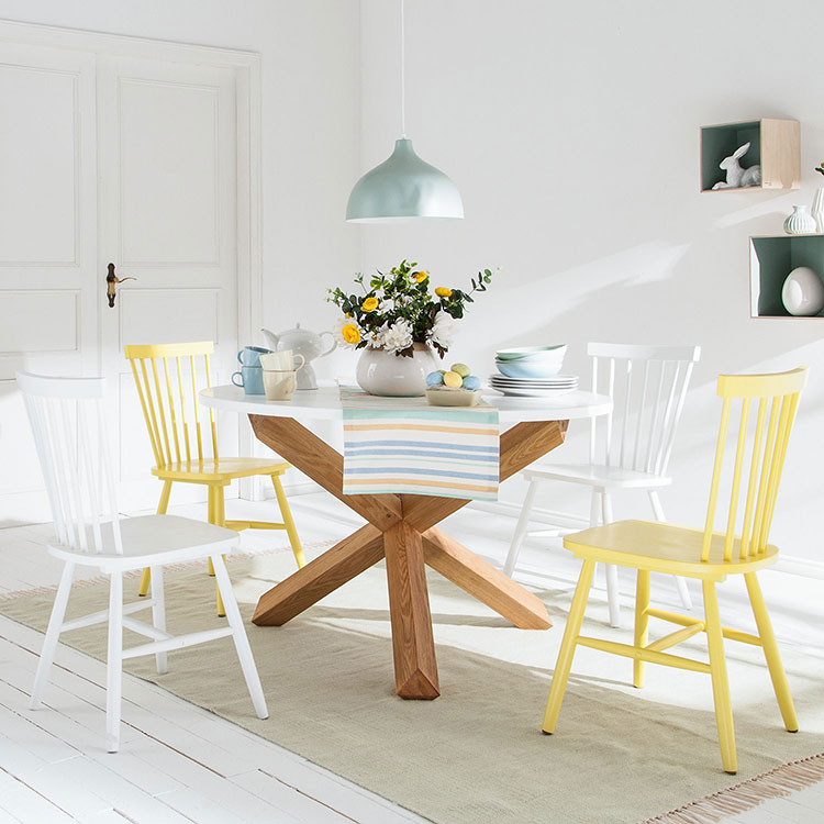 Table scandinave blanc