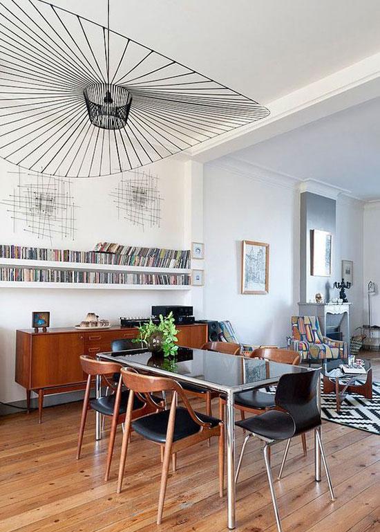 Suspension dans intérieur au design vintage
