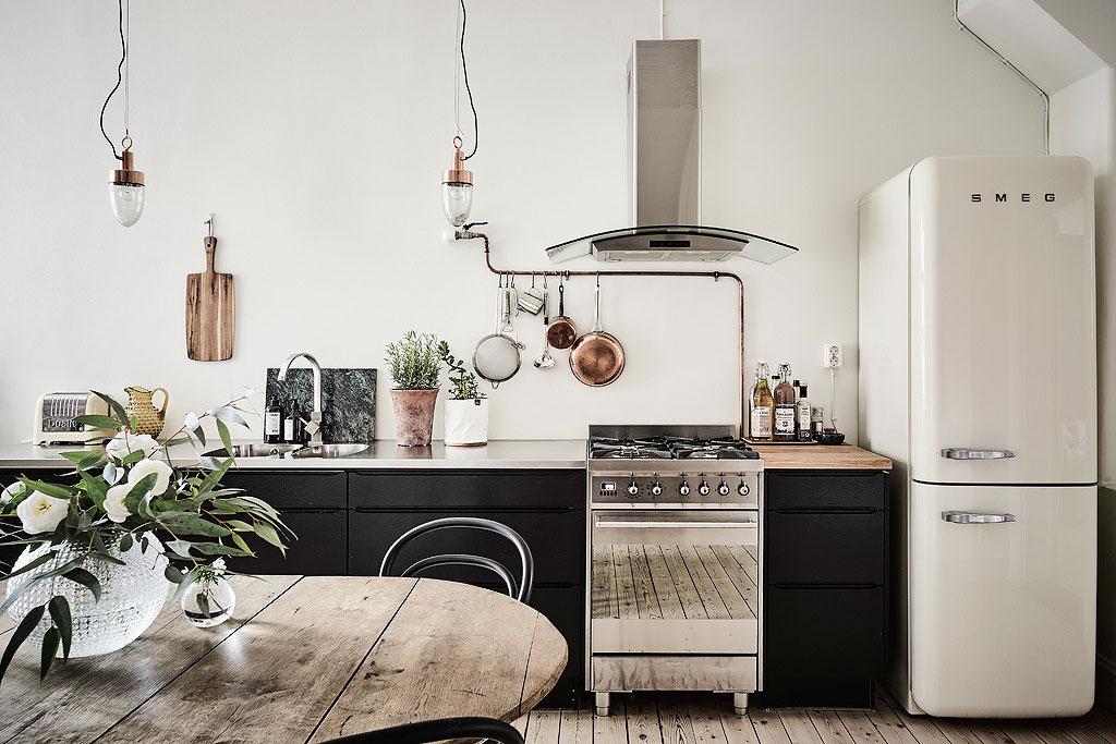 donner du style votre cuisine avec un frigo smeg. Black Bedroom Furniture Sets. Home Design Ideas