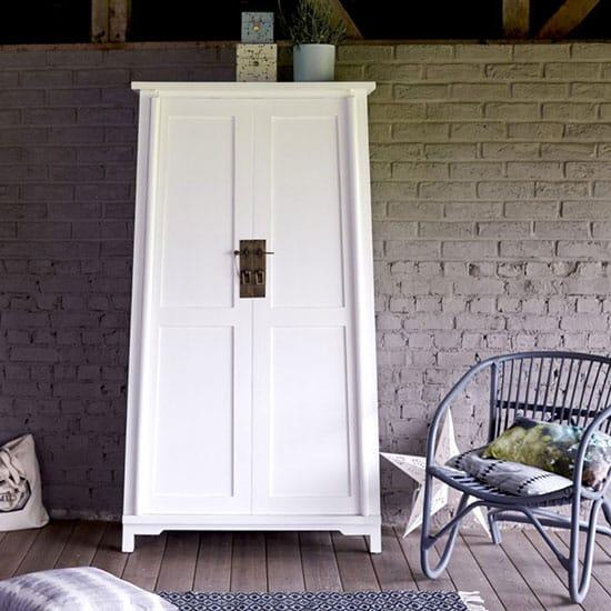 armoire blanche en bois