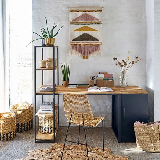 Amener de la couleur dans votre chambre nordique avec une tapisserie murale
