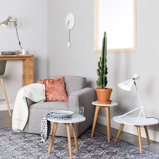 Petite table basse en marbre et bois