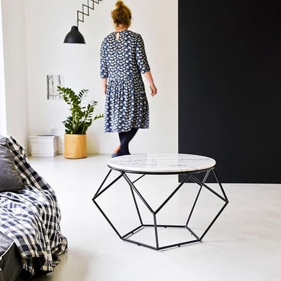 Table basse en marbre ronde
