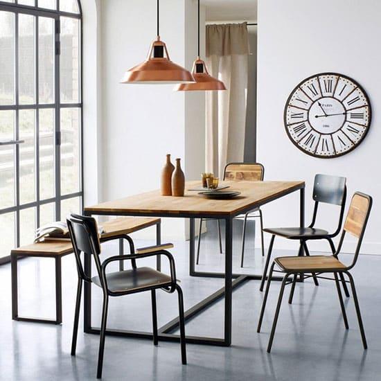 Chaise en bois et métal noir