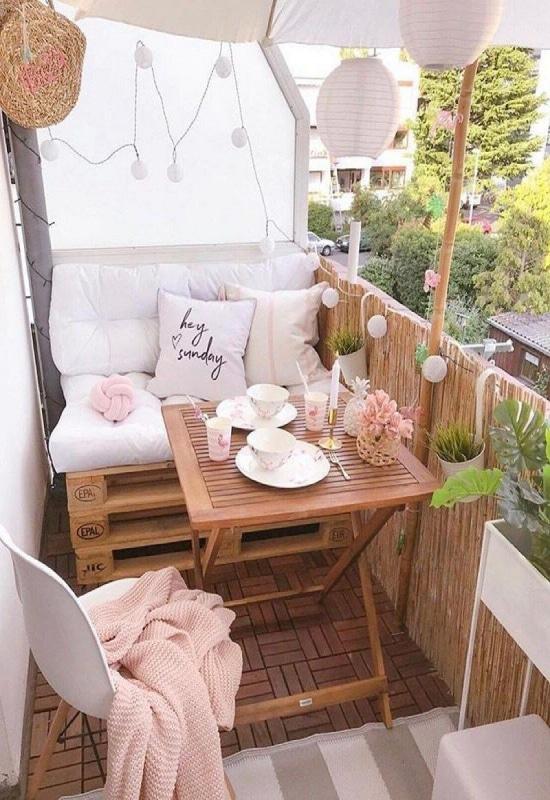 balcon avec bambou