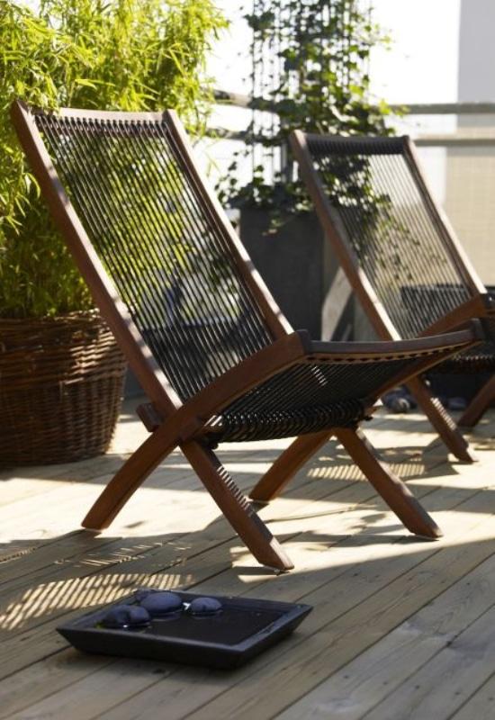 Chaise longue sur balcon