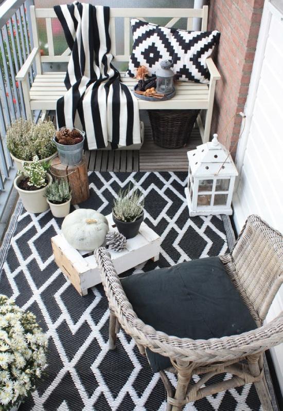Balcon noir et blanc