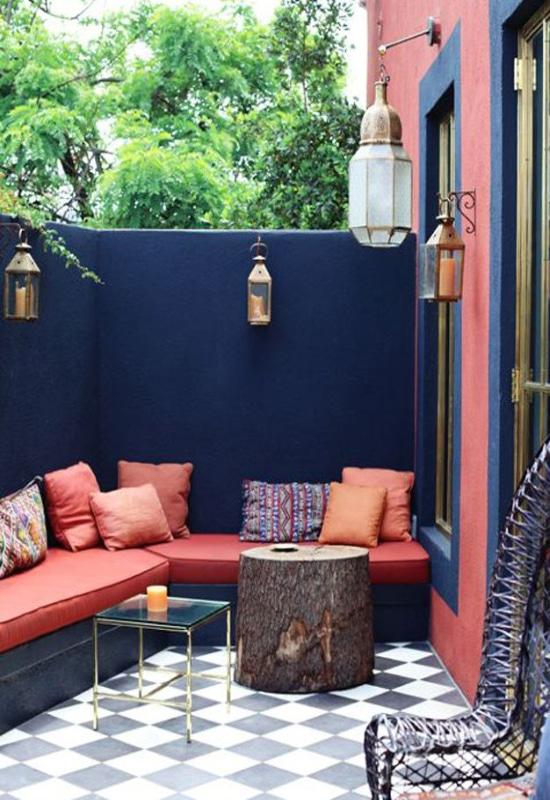 Balcon terrasse rose et bleu
