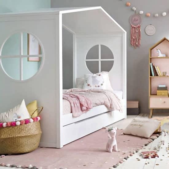 lit cabane blanc