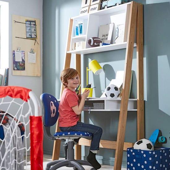 Bureau enfant primaire avec rangements