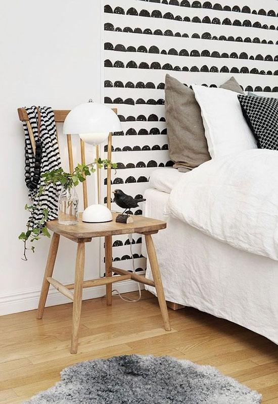 Déco géométrique avec une tête de lit