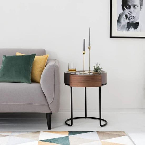 Bout de canapé avec tiroir