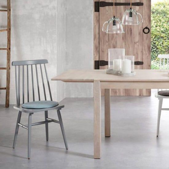 Chaise scandinave à barreaux grise