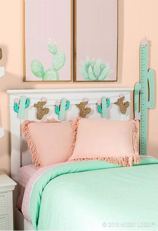 Chambre thème cactus, rose et vert céladon