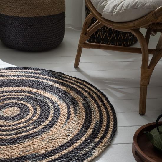 tapis en jute noir