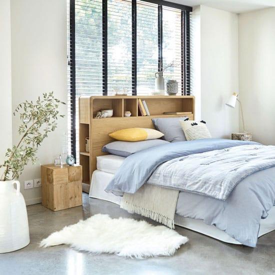 Tête de lit fonctionnelle en bois