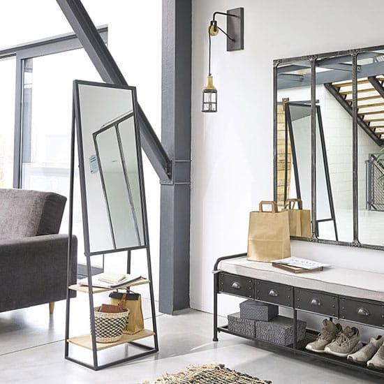 Miroir sur pied style industriel
