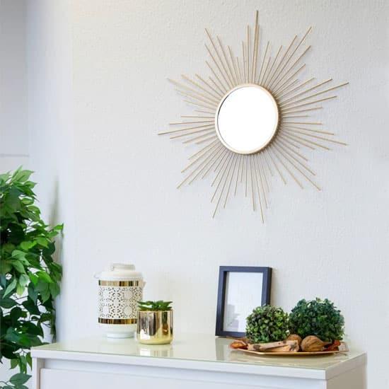 Un miroir soleil moderne, facile à nettoyer