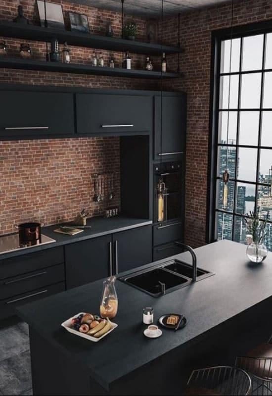 Cuisine noire et brique