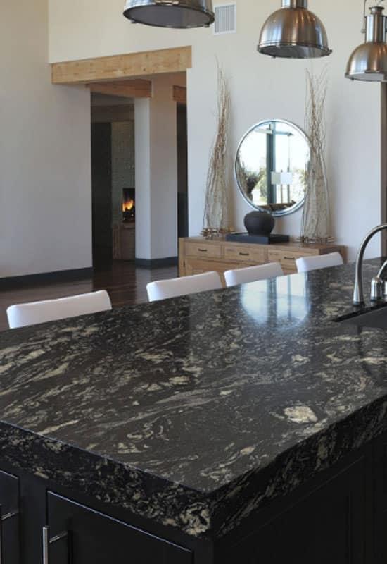cuisine noire et granit