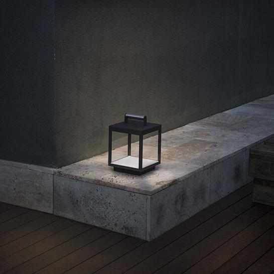 Lanterne de jardin en métal et verre