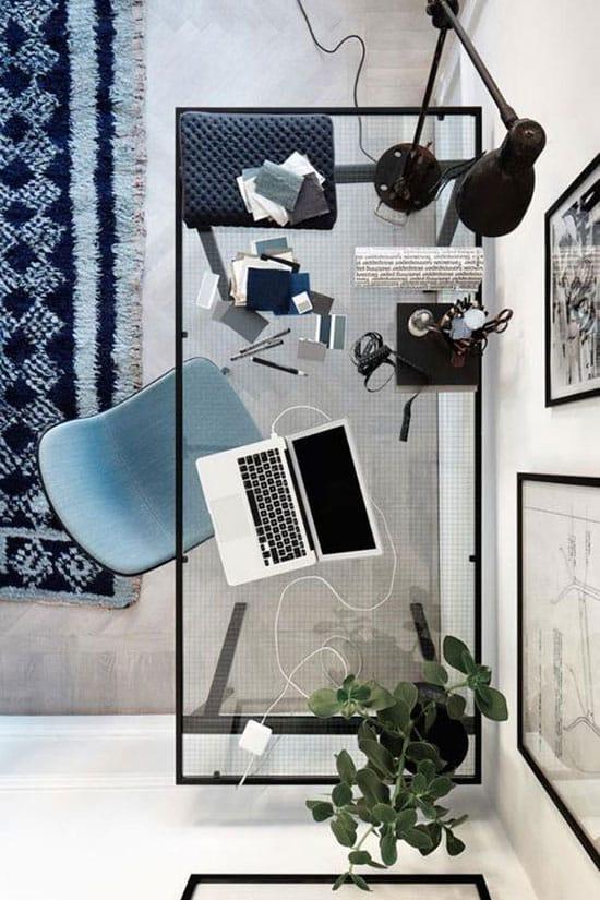 Surface en verre pour un bureau à domicile