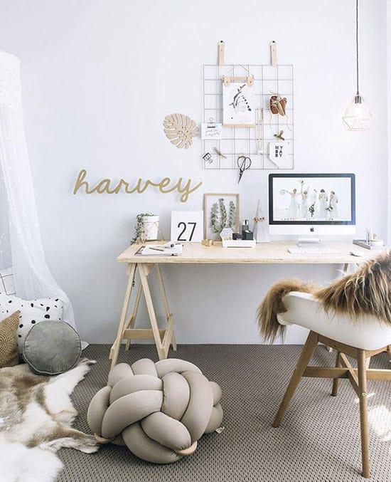 Bureau lumineux, chaleureux et confortable