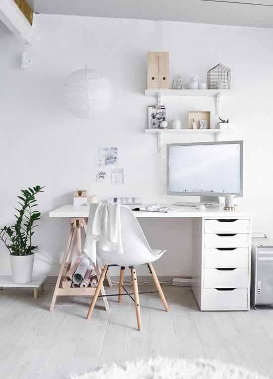 Ambiance scandinave pour un bureau atelier blanc
