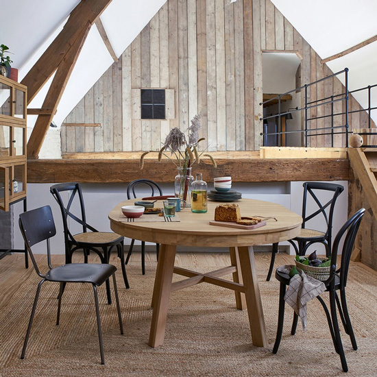 Chaise en cannage style bistrot