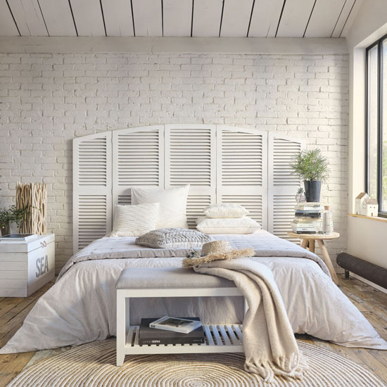 Détourner des volets en tête de lit