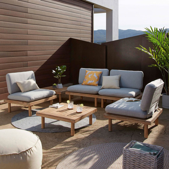 Salon de jardin extérieur en bois